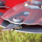 RazorBar™ Disc Windrower Header
